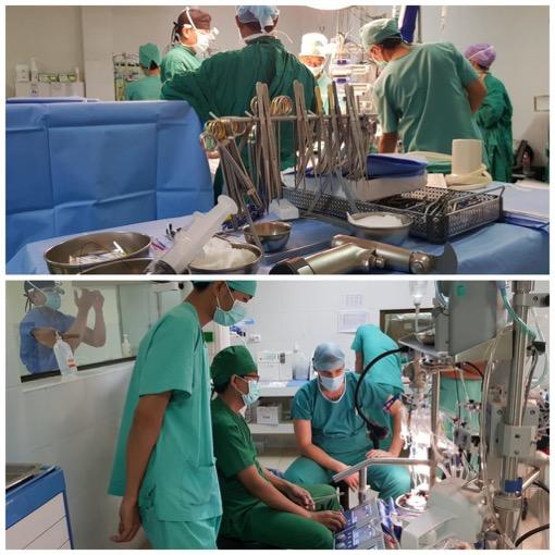 Der Operationssaal in Aktion (Bild unten: die Kardiotechniker, welche die Herz-Lungen-Maschine während des Herzstillstandes bedienen)